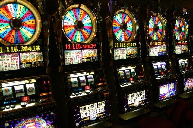 Почему азартные игры казино Адмирал так популярны?