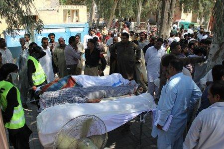 В Пакистане смотритель суфийского храма Абдул Вахид убил 20 прихожан