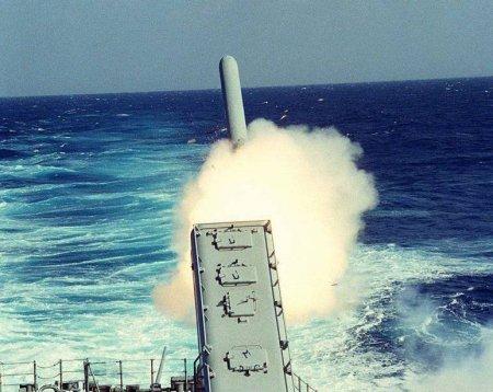 США нанесли ракетный авиаудар по сирийской базе в Хомсе, на которой были российские военные. ВИДЕО