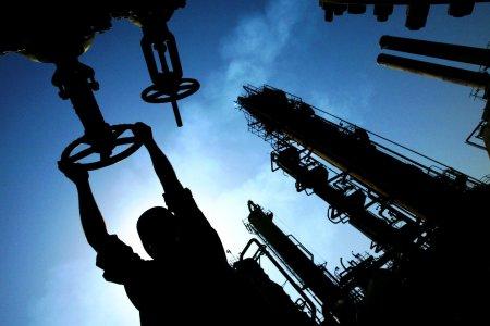 Цена на нефть упадет до 40 долларов за баррель, прогнозирует ЦБ РФ