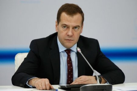 Дмитрий Медведев пообещал повысить МРОТ до уровня прожиточного минимума