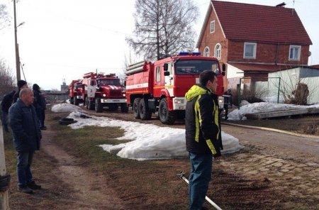 В Ижевске 22 апреля в результате пожара в частном доме на улице Почтовой погибли 5 человек, включая детей