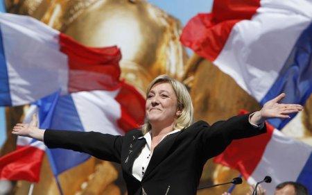 Выборы во Франции 2017: Эммануэль Макрон или Марин Ле Пен, кто лидирует на президентских выборах