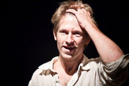 Актер из «Интернов» Казамир Лиске умер, выпав из окна пятого этажа