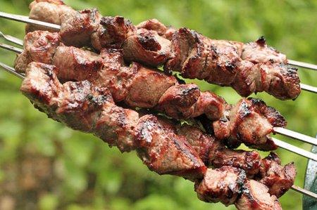 Рецепты вкусных шашлыков к майским праздникам