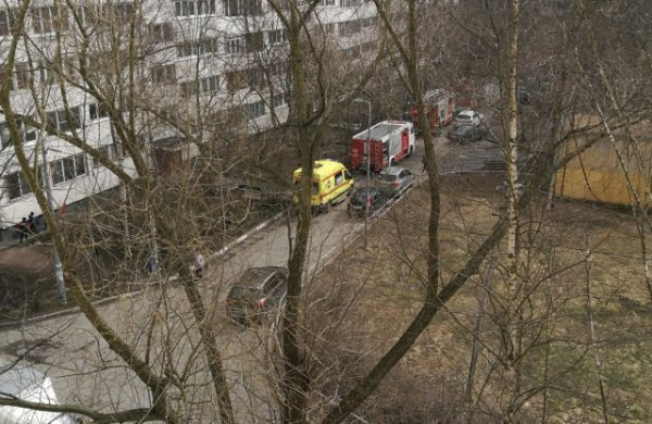 В Санкт-Петербурге на Витебском проспекте горела квартира