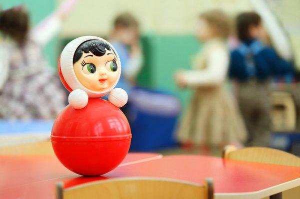 В Омске неадекватная нянечка издевается над детьми