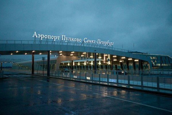Вылет самолета из Санкт-Петербурга в Анталью задержали почти на день