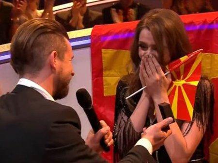 Участнице «Евровидения 2017» из Македонии Яне Бурческе сделали предложение в прямом эфире. ВИДЕО