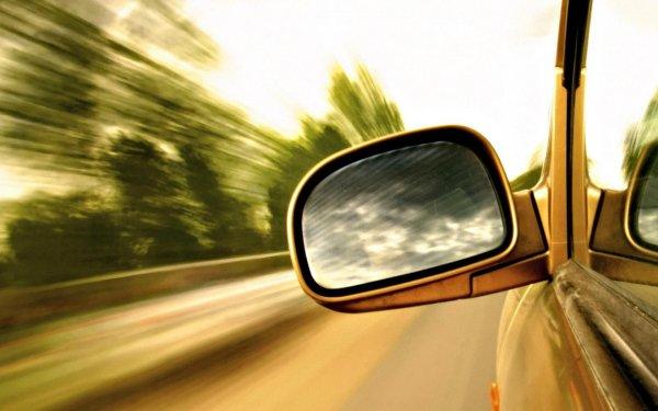 В Приморье пьяный водитель на скорости вылетел с трассы
