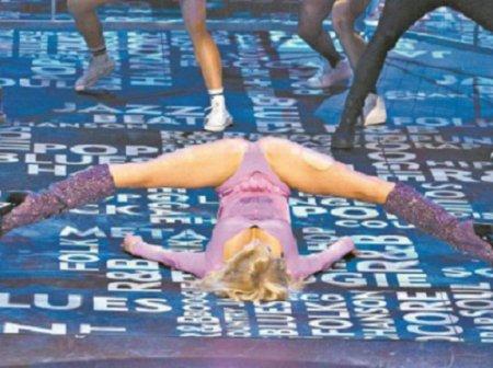 «Королева шпагатов» Анастасия Волочкова опозорилась на съемках шоу «Король фанеры»