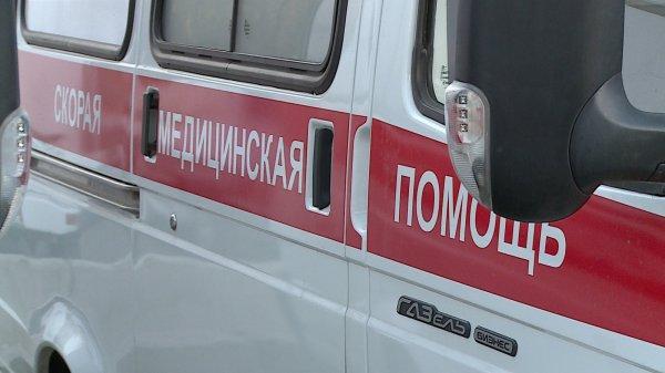В центре Москвы скорая помощь врезалась в BMW
