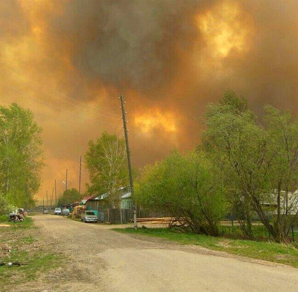 В двух городах Красноярского края сгорели 76 домов и два предприятия