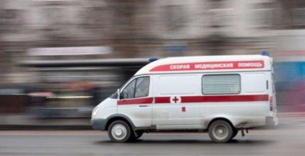 В Энгельсе Саратовской области отпавшие колеса скорой помощи травмировали девочку