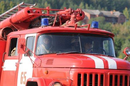 В Камышлове Свердловской области 26 мая сгорел вещевой рынок. ФОТО, ВИДЕО