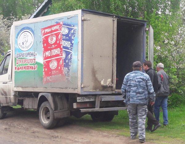 В Саратове за гробом с покойником приехала машина с «Доброй Буренкой»