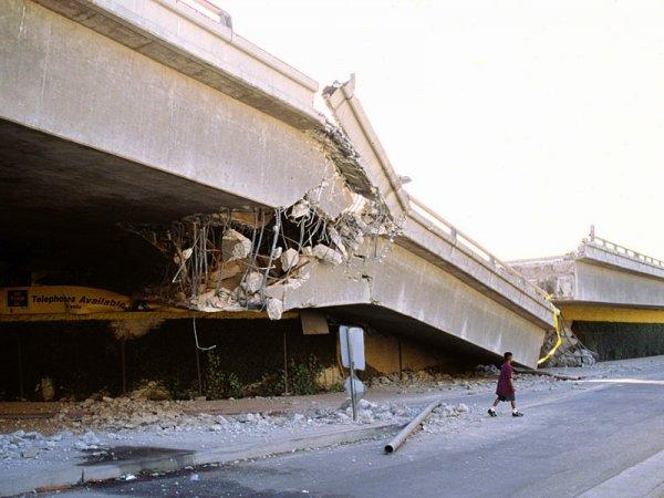 В Брянске обрушающийся мост едва не убил ребенка