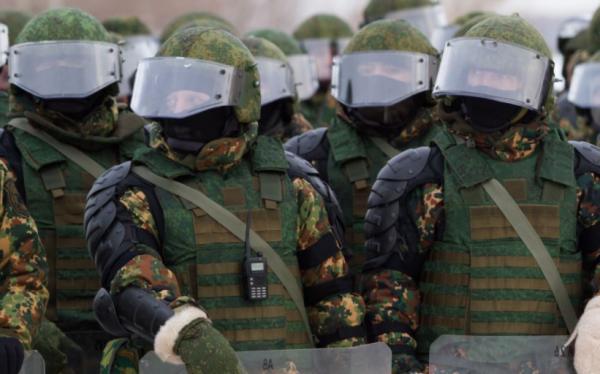 В Москве сотрудники Росгвардии обезвредили неадекватного мужчину с ножом