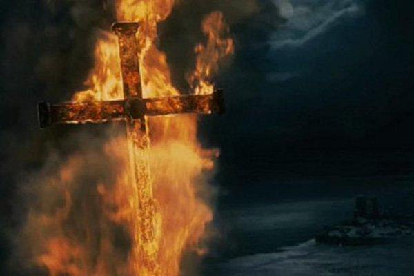 В Москве неизвестные вандалы сожгли четырехметровый крест у Андроникова монастыря