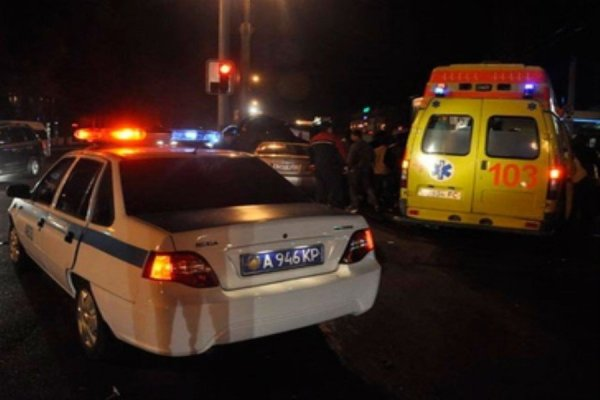 Авария на МКАД: Большегруз расплющил мужчину в салоне его машины