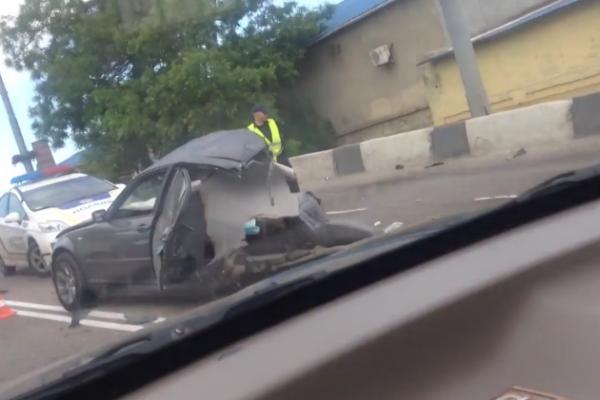 BMW с еврономерами разорвало пополам в Одессе