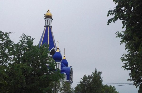 Ураган сорвал крест с православного храма в Подмосковье