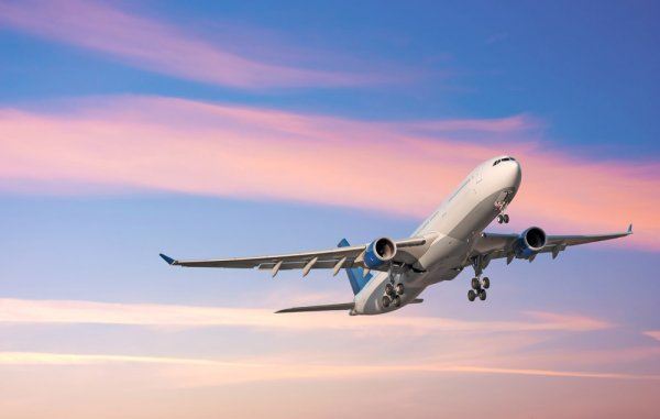 В результате крушения самолета под Саратовом пострадали шесть человек