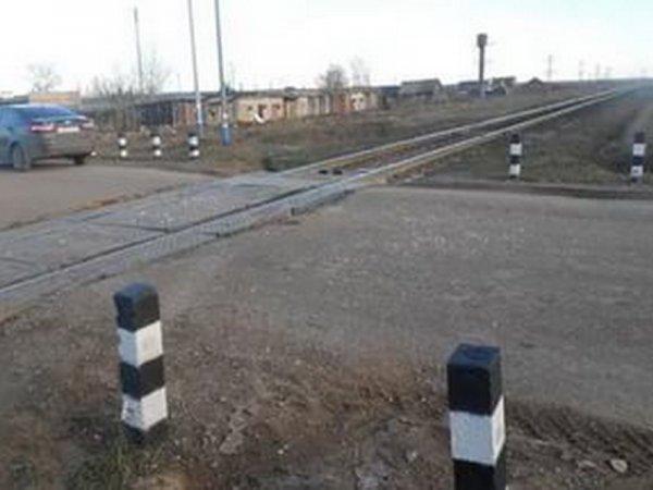 В Ярославской области LADA попала под грузовой состав