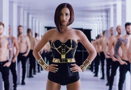 Ольга Бузова 5 июня презентовала новый клип на песню «Мало половин». ВИДЕО