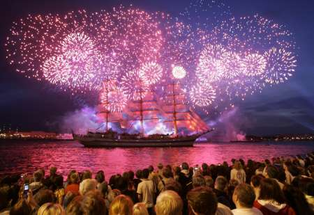 «Алые паруса» 2017 24 июня: онлайн трансляция праздника в Санкт-Петербурге