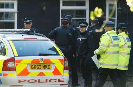 В британском Ньюкасле 25 июня автомобиль въехал в толпу празднующих Ураза-байрам пешеходов. ФОТО, ВИДЕО
