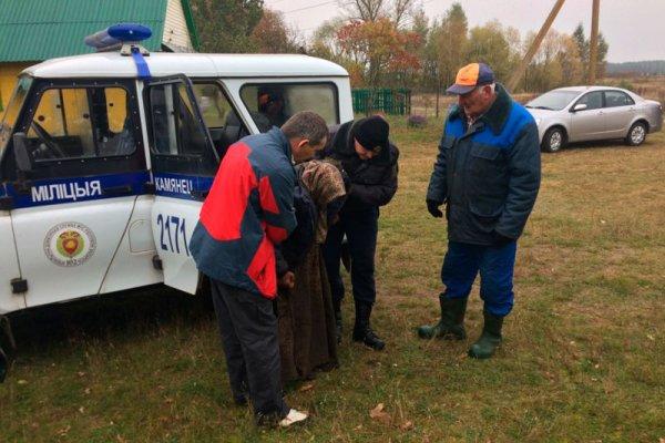 В Свердловской области полицейскими были найдены пропавшие бабушка с внуком