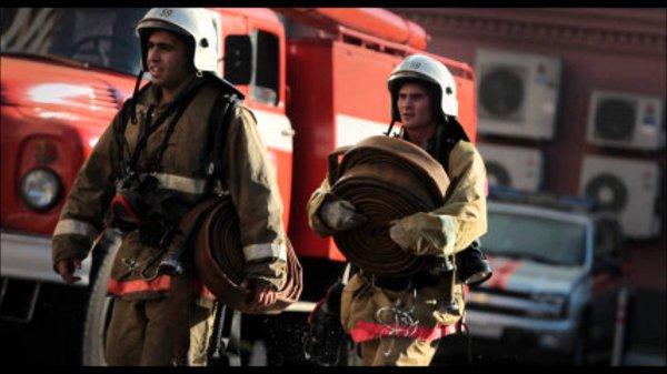 В Москве при пожаре в доме на Волоколамском шоссе погиб человек