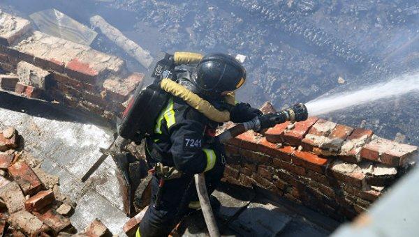 В Оренбургской области на химзаводе произошел пожар