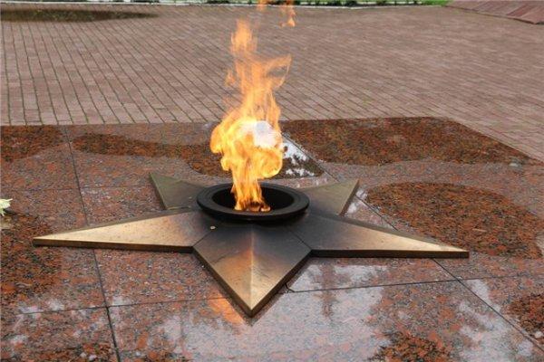 В Южноуральске несовершеннолетние осквернили мемориал павшим в ВОВ