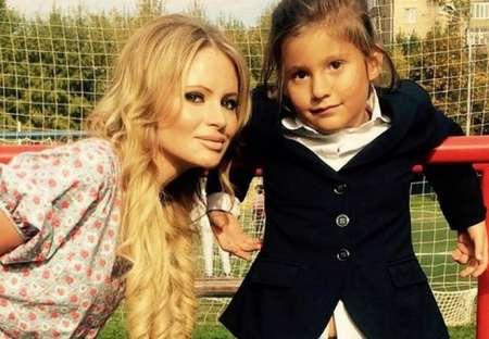 Борющуюся с наркоманией Дану Борисову суд лишил права воспитывать дочь Полину