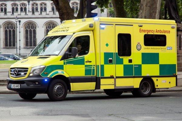 В Лондоне автомобиль протаранил толпу подростков