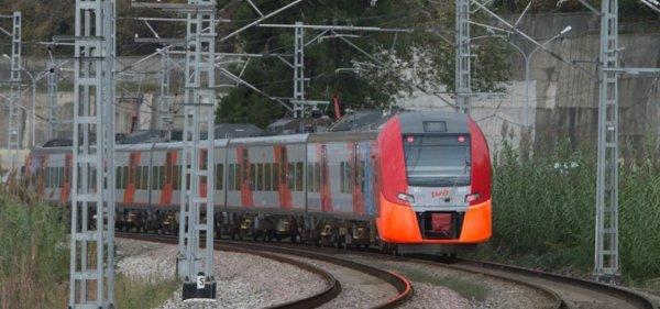 Под Петербургом сошел с рельсов поезд с 465 пассажирами