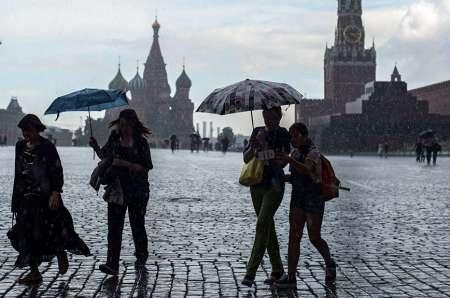Гидрометцентр ответил на критику промокшего под дождем Жириновского