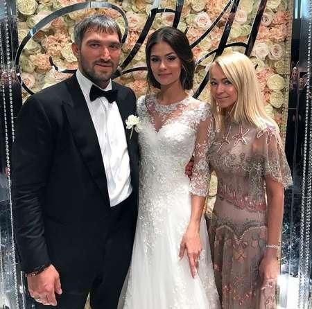 Хоккеист Александр Овечкин сыграл свадьбу с моделью Анастасией Шубской. ФОТО, ВИДЕО