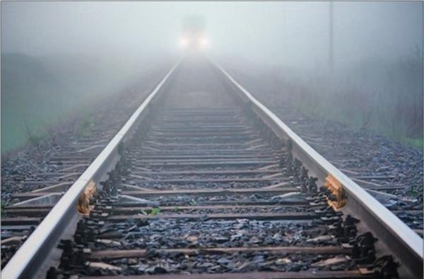 В Уфе слушавшего музыку в наушниках парня насмерть сбил поезд