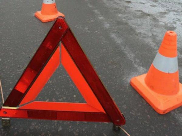В Ленобласти пять человек стали жертвами ДТП с грузовиком