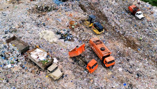 На мусорном полигоне в Балашихе нашли опасный фильтрат