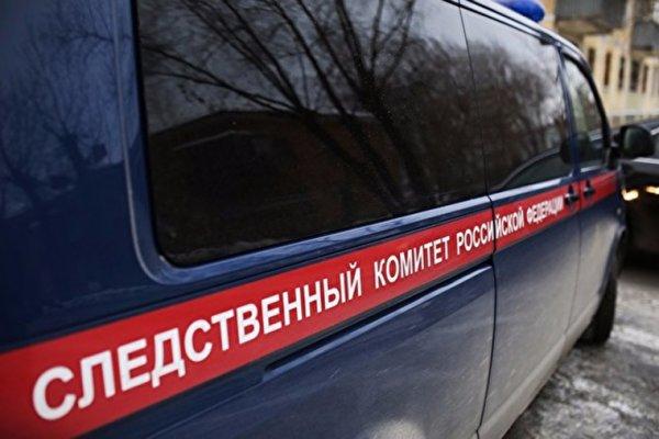 В Омске пассажирка выпала из маршрутки на повороте