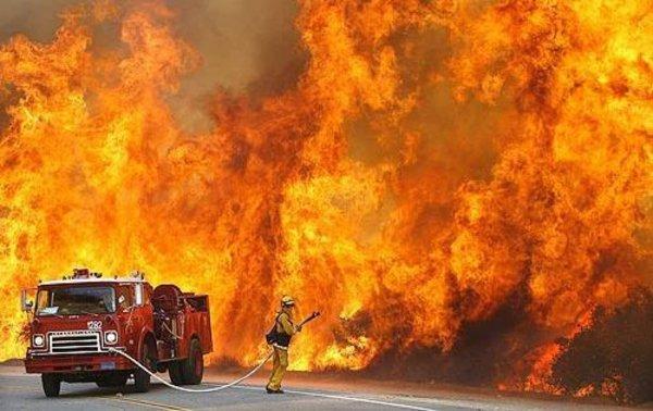 В Петербурге на Кировском заводе произошел пожар