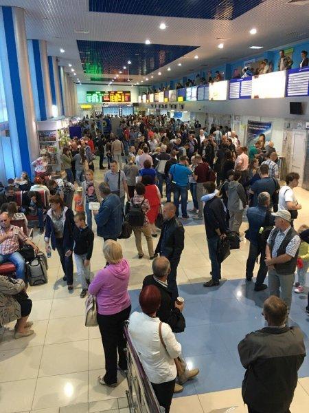 Аэропорт Барнаула не принял четыре рейса из Москвы и Вьетнама