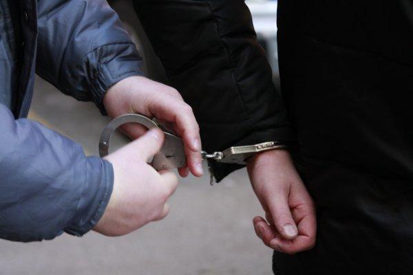 В Херсонском аэропорту задержан, разыскиваемый Интерполом россиянин