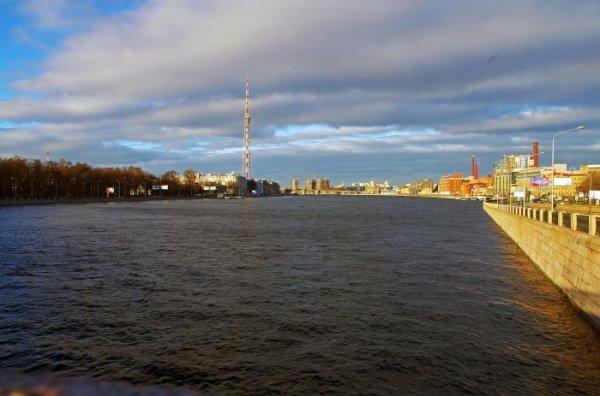 В Петербурге Росгвардия спасла тонущего в Большой Невке мужчину