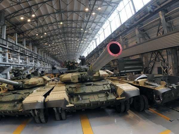 Киевские борцы с коррупцией выдают российские танки за украинские
