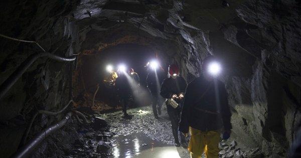 В Коми два человека пострадали из-за обвала в шахте